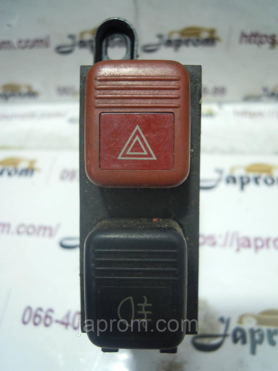 Кнопка противотуманных фар и аварийки Mazda 626 GD 1987-1991г.в.  5дв. хетчбек