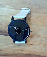 Женские и Мужские часы  кожаный ремешок (Белый ремешок чёрный циферблат)