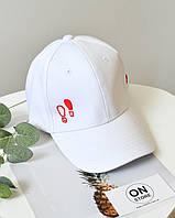 """Модна кепка """"Step by"""" білого кольору"""