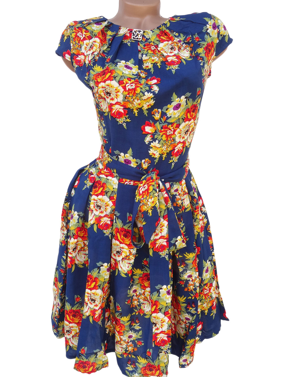Яркие платья на лето (в расцветках)