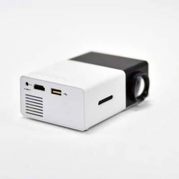 Мини проектор YG-300 Черный