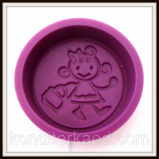 Силиконовая форма  для мыла Девочка 7.8*7.5*2.2 см