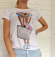 Стильная женская футболка с модным принтом