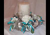 Новогодняя флористика, рождественская композиция со свечой.