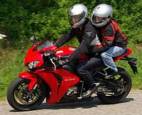 Покататься на мотоцикле в Киеве. Поездки на мотоцикле с водителем.