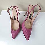 Рожеві жіночі босоніжки з гострим носком з пітона на шпильці, фото 2
