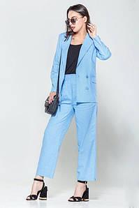 Женский голубой льняной брючный костюм