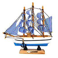 Корабль-парусник из дерева