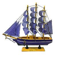 Сувенир корабль парусник из дерева