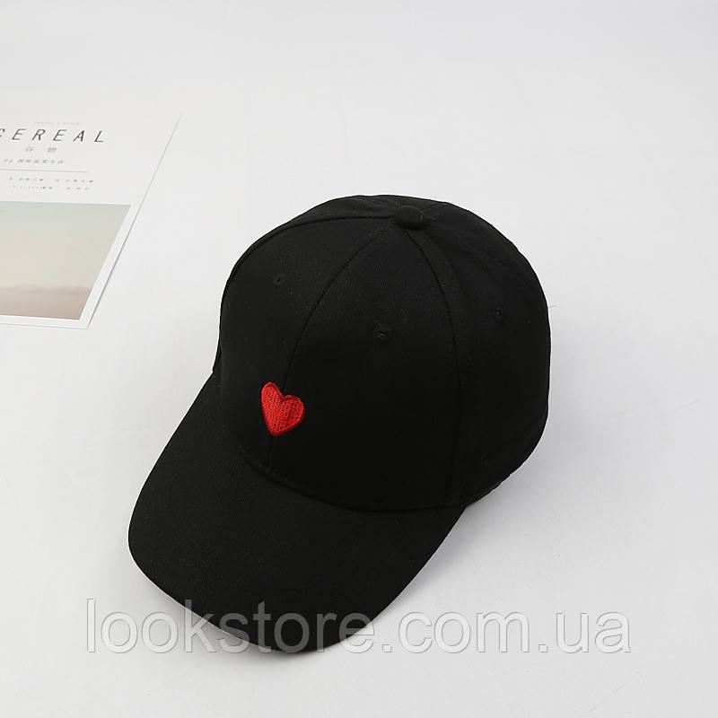 Женская летняя кепка с Сердцем черная