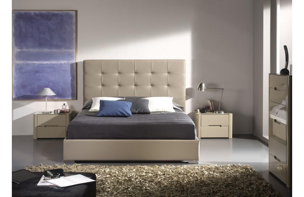 """Двухспальная кровать """"Орео"""" с оббивкой от производителя"""
