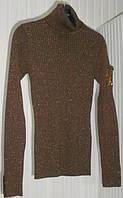 Коричневый пуловер-гольф с карманчиком на рукаве