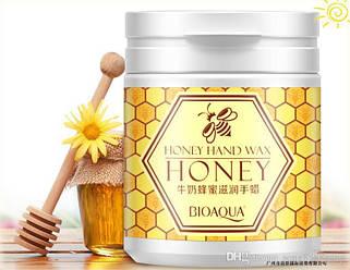 Маска парафиновая с экстрактом меда BioAqua Honey Hand Wax 170 грамм