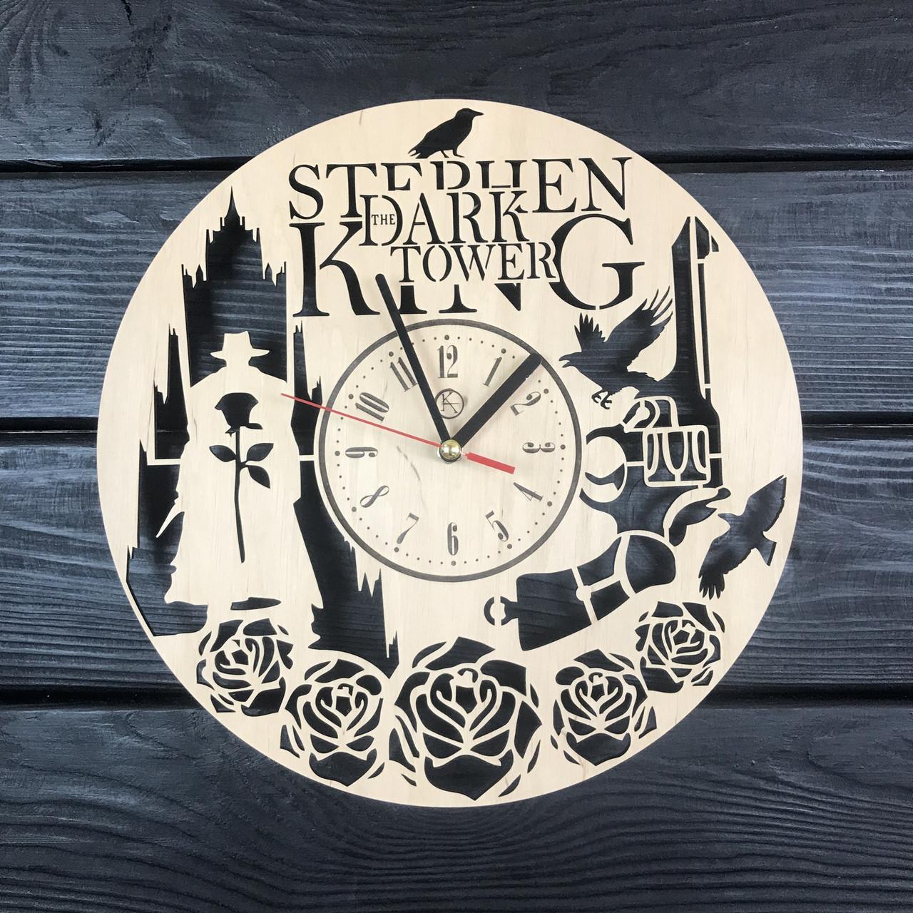 Круглые настенные часы из дерева «Тёмная башня»