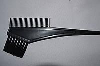 Кисть для покраски волос узкая с расческой