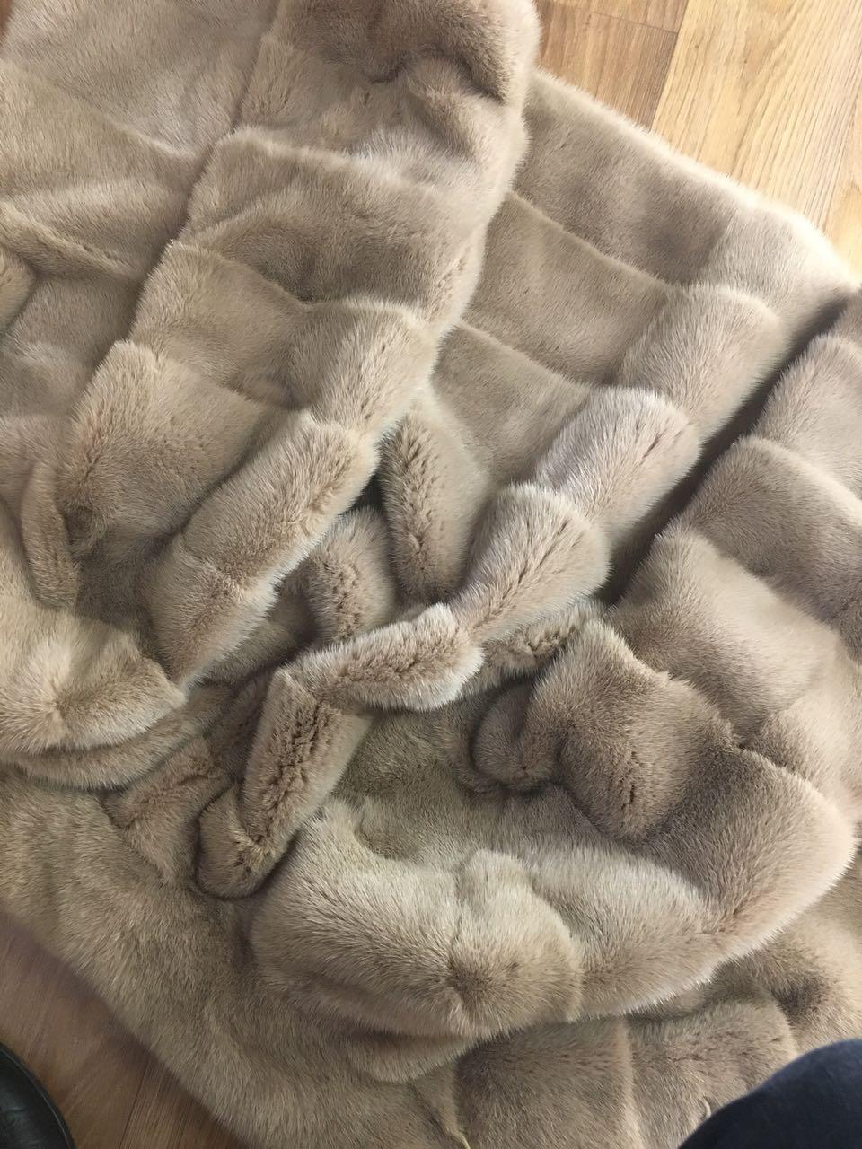 Шуба из натурального меха норки, цвет пудра