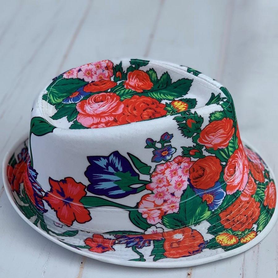 """Шляпа-челентанка женская (подростковая) """"Мия"""" Размер 56-58 см. Белая с цветочным принтом. Оптом. Распродажа!"""