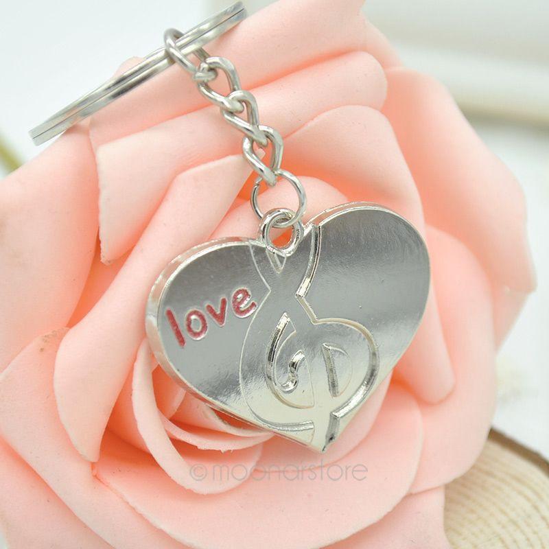 Парные влюбленные брелки сердце и музыка