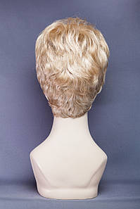 Короткий парик №21. Цвет мелирование пшеничный с белым