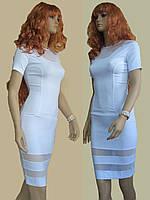 Элегантное белое платье с прозрачными вставками
