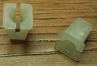 Гайка (гнездо , втулка распорная) капроновая (пластиковая) крепления внутренних панелей (накладок , обивок) кузова GM 2240802 90230846 OPEL