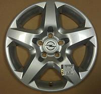 Колпак (крышка) R-16 серебряный стального колёсного диска (6.5J X 16 1002187) (ИДЕНТ. QE) 5 отверстий для крепления GM 6006256 13240543 OPEL Astra-H