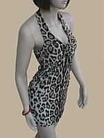 Леопардовое платье-туника с бретелькой вокруг шеи и полуоткрытой спинкой
