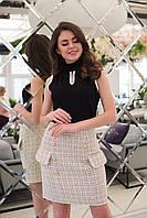 Молодежная женская коротка юбка декорировано хорошей гарнитурой. Арт-2579/64 Белый