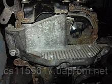 Кронштейн двигателя прав 2.3DCI Renault Master III 2010-2019 8201055993