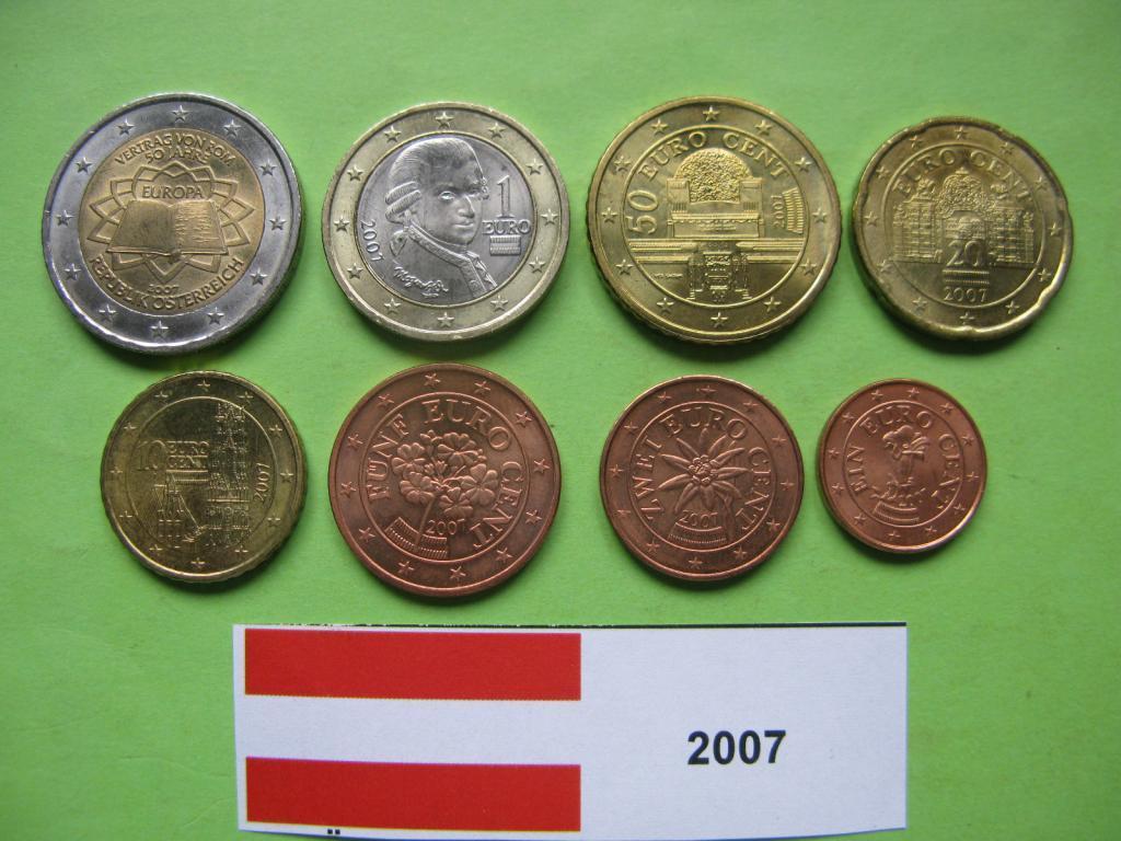 Австрія , набір євро монет 2007 р. UNC.