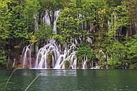 Фотообои флизелиновые 3D Водопад 375х250 см Плитвицкие озера (MS-5-0078)