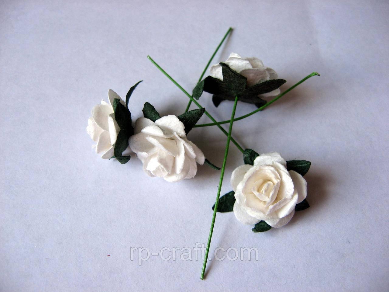 Роза из бумаги. Молочная, 18 мм