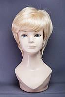 Парик пышный №16,цвет классический блонд