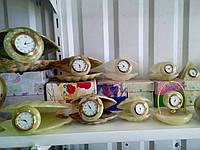 Часы-ракушки из камня оникс