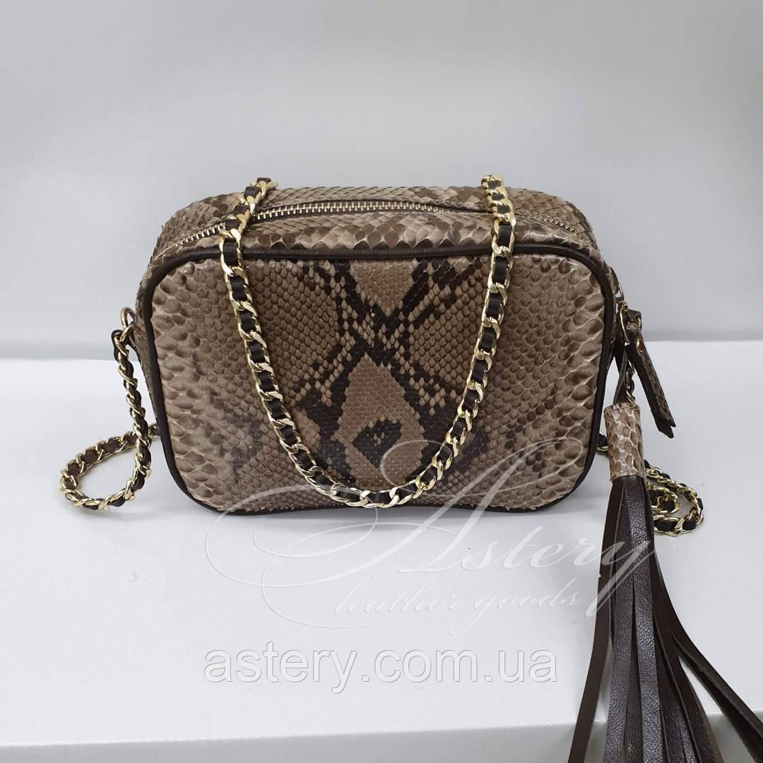 Женская бежевая сумочка на цепочке из питона