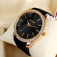Женские кварцевые наручные часы Guess (Гуэс) на кожаном ремешке, черный циферблат, красное золото