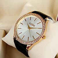 Женские кварцевые наручные часы Guess (Гуэс) на кожаном ремешке, серебристый циферблат, красное золото