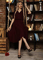 Летнее женское платье бордового цвета с пышной юбкой .