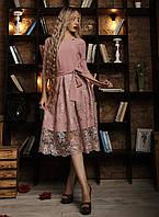 Изысканное женское платье с оригинальной спинкой фрез
