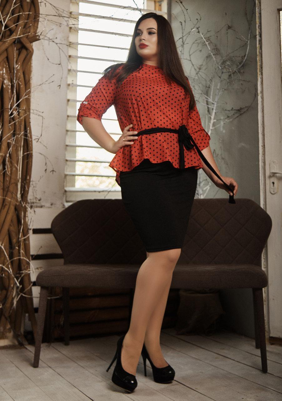 Элегантный женский костюм больших размеров красный с черным
