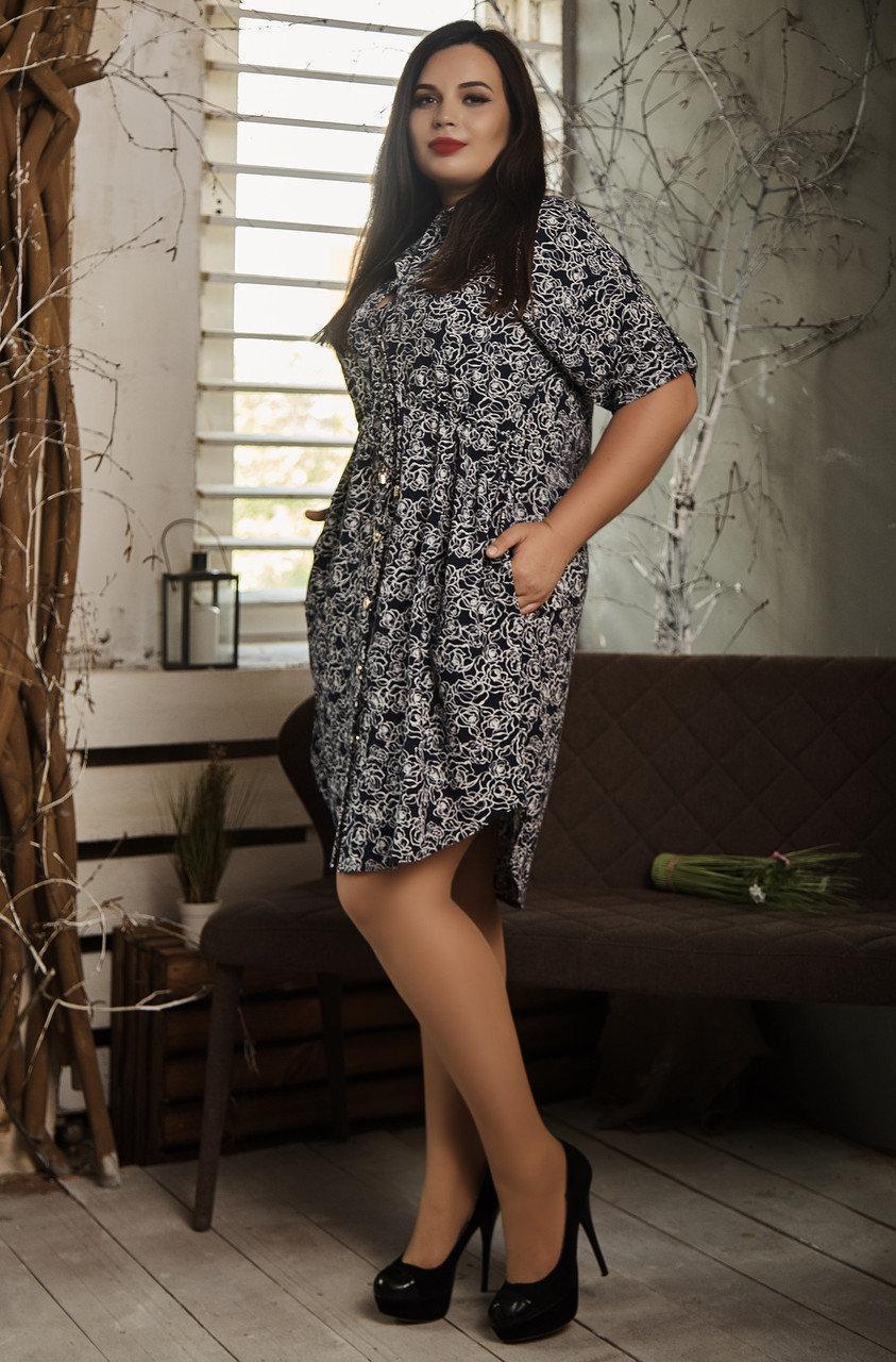 Красивое женское платье-рубашка с принтом белые розочки