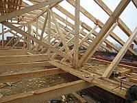 Розробка нестандартних проектів дахів під покриття з дранки, шинделя, гонту та деревяної черепиці.