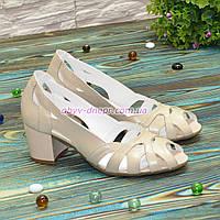 Босоножки женские лаковые на невысоком устойчивом каблуке, фото 1