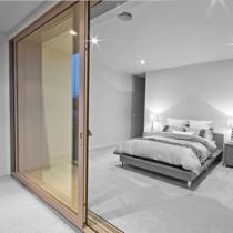 Параллельно-раздвижные алюминиевые двери
