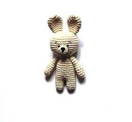 В'язана іграшка-амігурумі Зайчик Бежевий (IK210304)