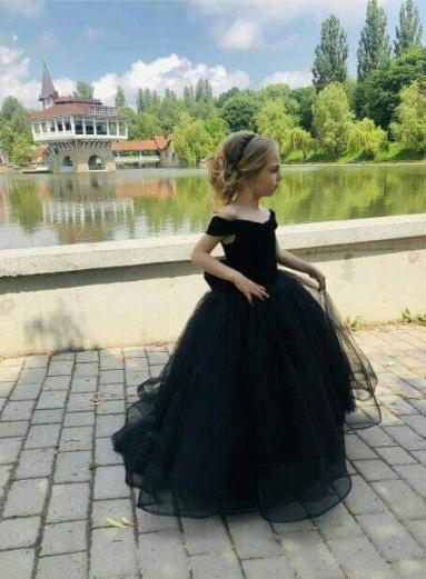 Бархатное детское платье
