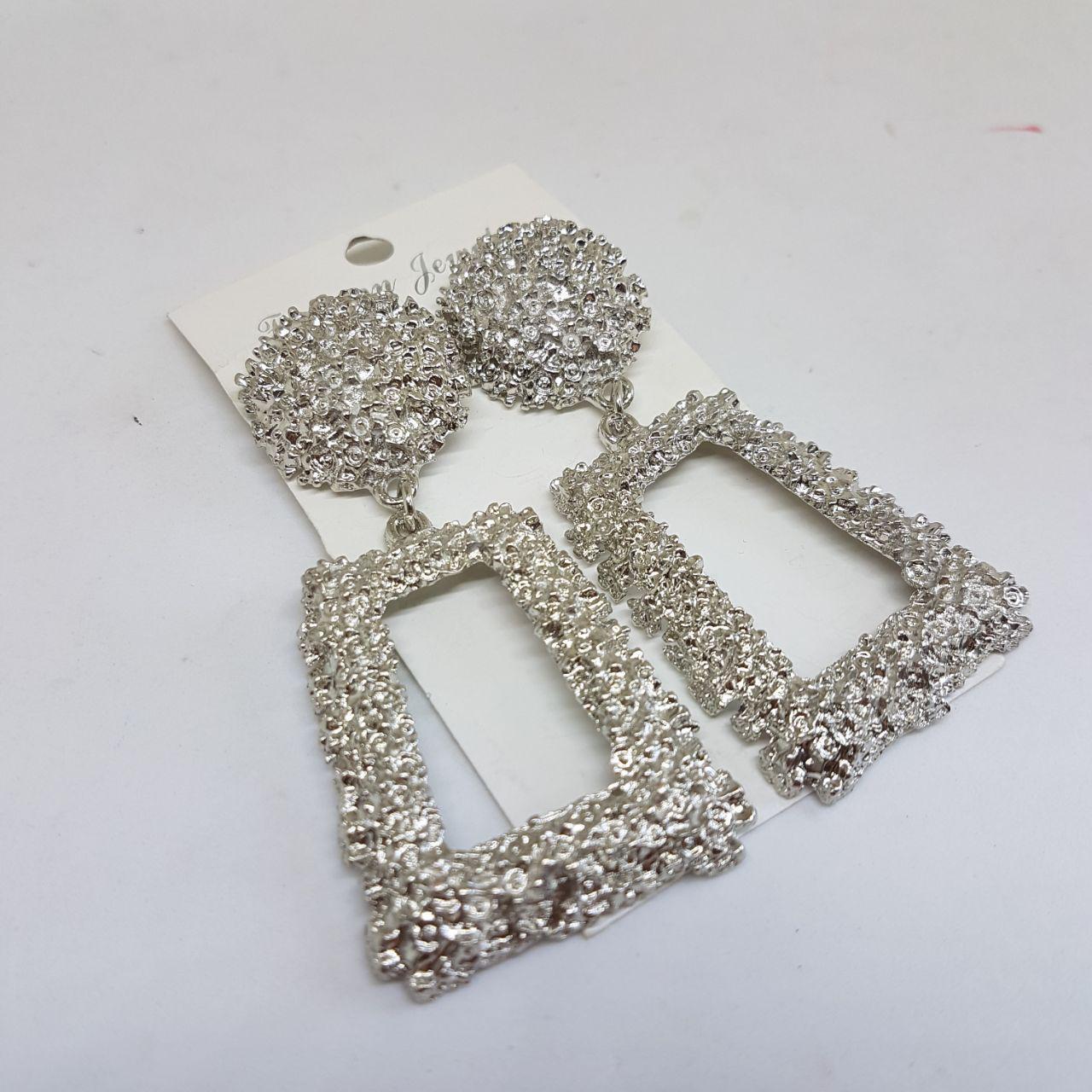 Серьги женские в стиле Zara серебристые