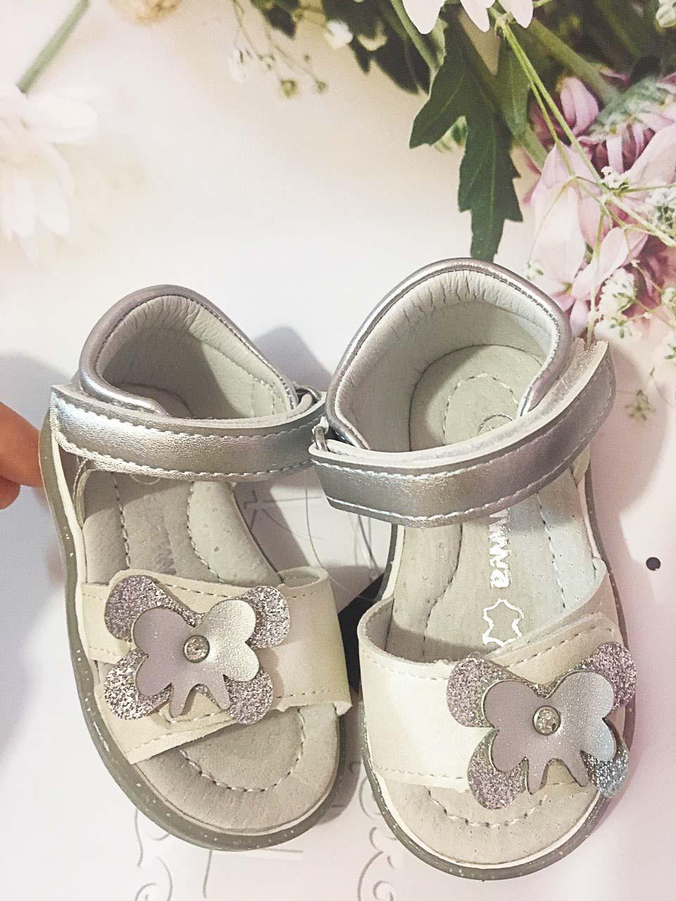 Детские   босоножки, сандалии Apawwa для девочки,размеры 18-21-22-23 (белые/серебро)