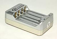 Зарядное устройство BTY для аккумуляторов типа AA и AAA