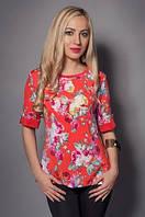 Яркая женская блуза на лето с красивым цветочным принтом